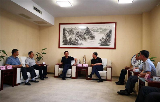 山东科技大学校党委副书记尹华赴山东三箭集团开展工作调研
